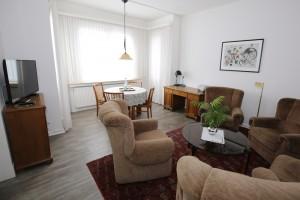 Wohn- und Esszimmer-Bild-1